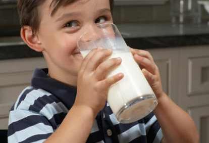 cara menggemukkan badan dengan minum susu 2 kali sehari