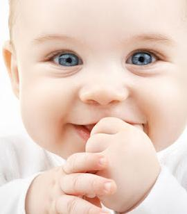membuat bayi tertawa bisa dilakukan dengan banyak cara