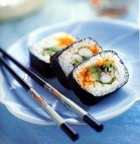 membuat sushi