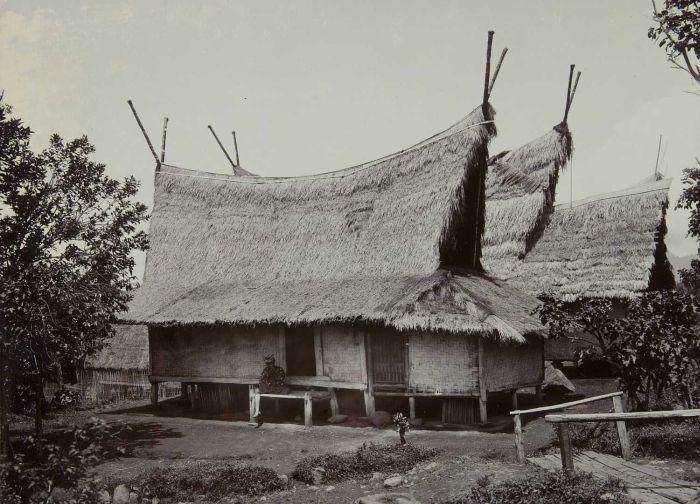 Rumah Adat Sunda