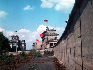 Sejarah Runtuhnya Tembok Berlin