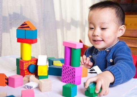 fungsi mainan anak