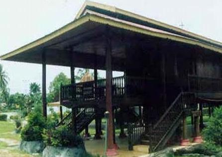 Rumah Adat Bolaang Mangondow